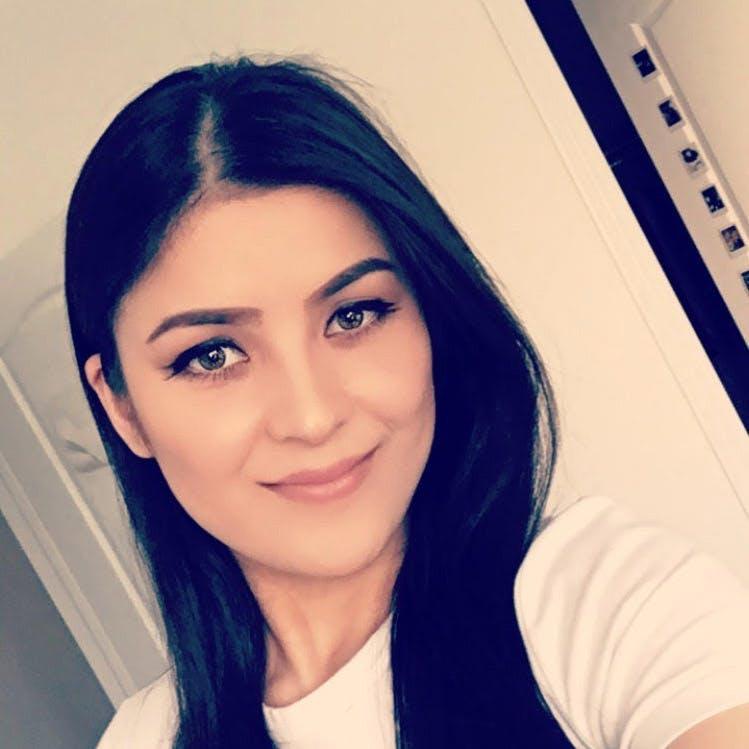 Afifa Rahmatullah, Receptionist