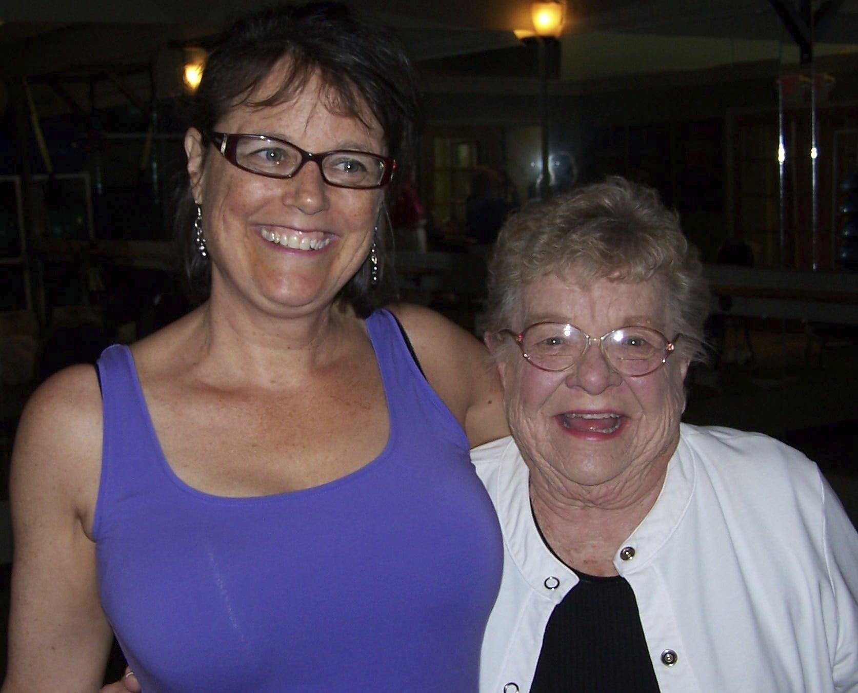 Gloria Ruth